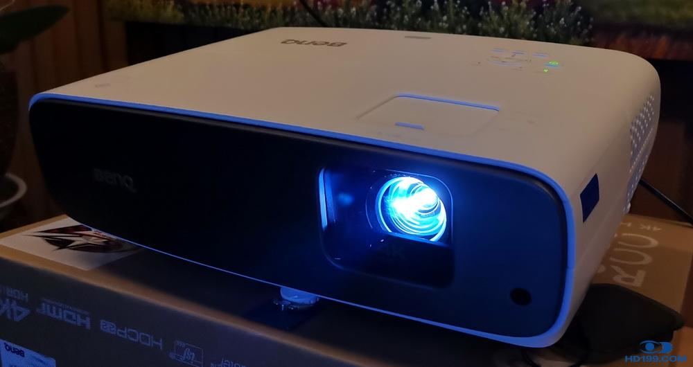 小距离实现大梦想——明基W2700 4K超短焦投影机小测!