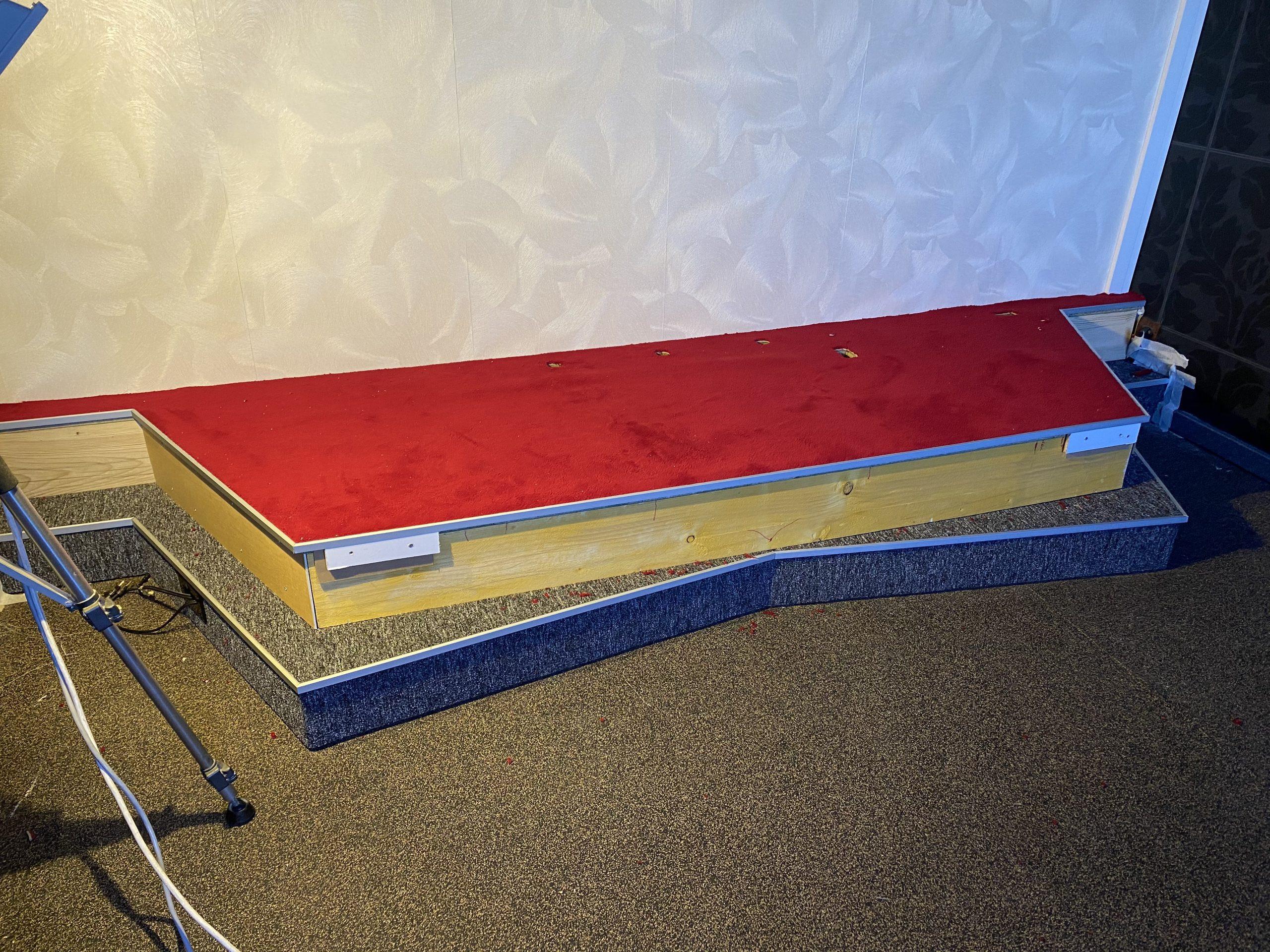 蜂蜜浏览器_Construction-du-podium-avant-4-scaled.jpg